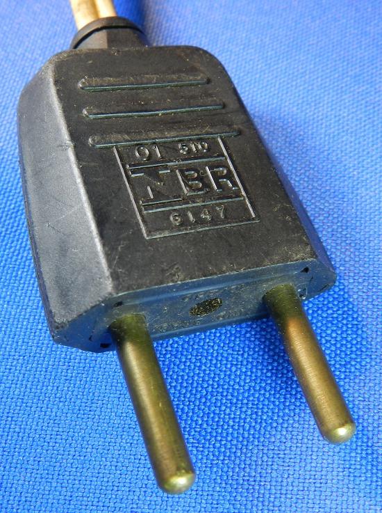 Figura 6 - Plugue Pial NBR 6147.