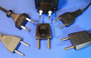 Figura 8 - Plugues antigos e ainda compatíveis.