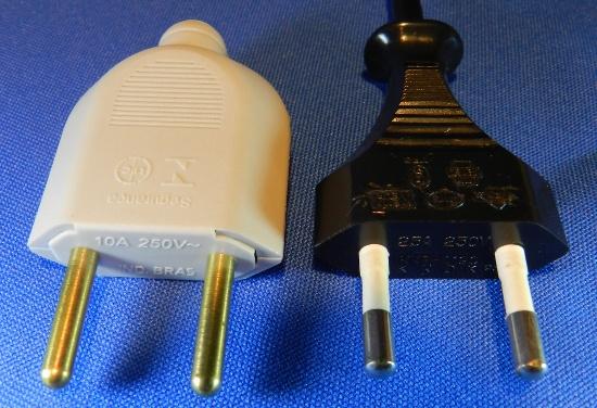 Figura 5 - Plugues NBR com 2 pinos maciços e Europlug.