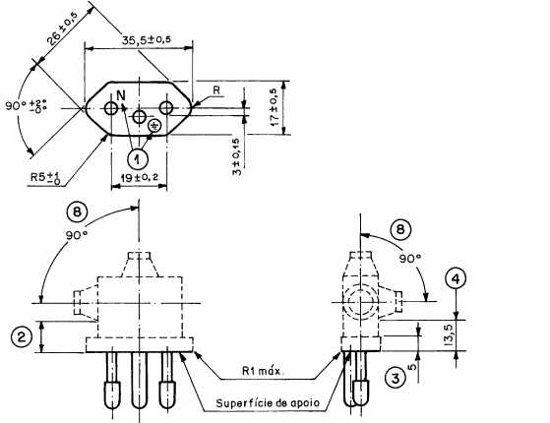Figura 25 – Posições para o cabo dos plugues na NBR 14136, p. 10. Fonte: [3].