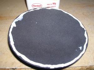 Figura 45 – Aplicação de cola branca à calota de proteção.