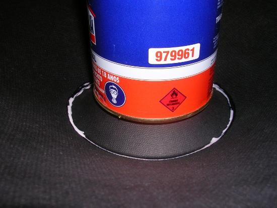 Figura 47 – Fixação da calota com peso, para garantir boa adesão.