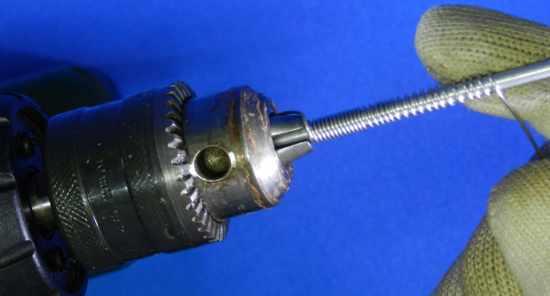 Figura 5 – Enrolando lentamente, com um pouco de folga entre as espiras.