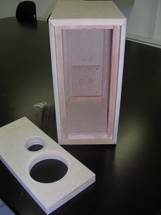Figura 10 – Aparência inicial da caixa, recebida do marceneiro.