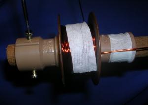 Figura 14 – Afrouxamento dos parafusos para retirada da peça móvel.