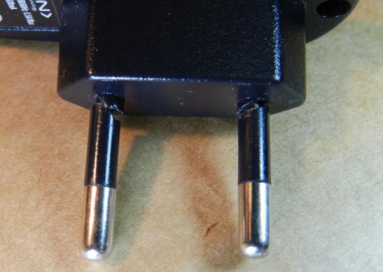 Figura 3 - Pinos quebrados junto à base.