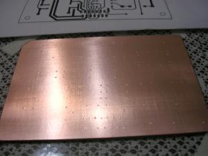 Figura 8 – Aparência da marcação dos furos em placa de fenolite.