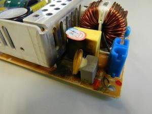Figura 3 – Detalhe de placa de fonte de impressora Samsung ML-3051ND, queimada.