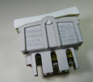 Figura 8 – Interruptor consertado e remontado.