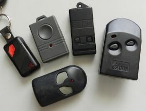 23ca80fcf77 Figura 1 – Diversos modelos de controles remotos de portões eletrônicos.