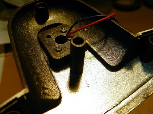 Figura 44 – Ilha plástica superior no compartimento dos LEDs.