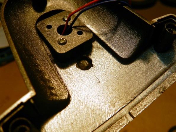 Figura 46 – Compartimento superior dos LEDs após remoção da ilha plástica.