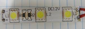 Figura 2 – Menor segmento possível (5cm) de uma tira comercial de LEDs brancos tipo 5050.
