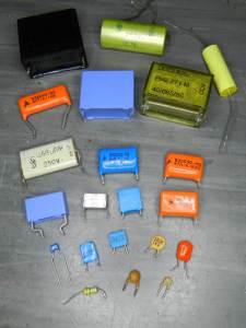 """Figura 14 – Tipos de capacitores aptos para uma só """"ponta de prova""""."""