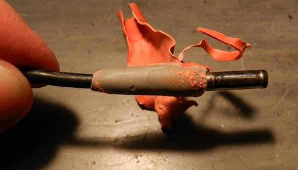 Figura 2 – O plugue da fonte já tinha sofrido manutenção.