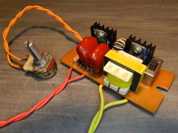 Figura 37 – Aparência do reator eletrônico para lâmpada incandescente de 6V, 20W, utilizado em microscópios.
