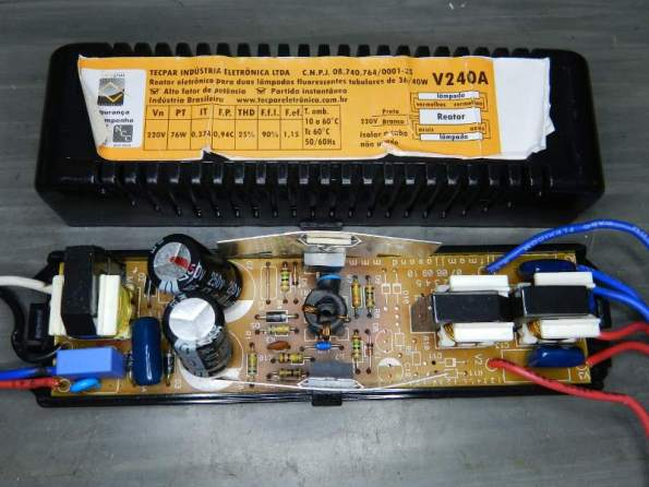 Figura 54 – Reator Tecpar V240A, para duas lâmpadas de 40W.