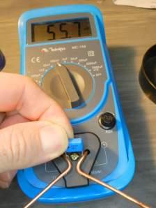 Figura 59 - Teste de capacitor em capacímetro. Do valor original de 220nF, só restam 55nF.