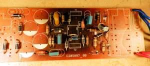Figura 63 – O mesmo reator, desmontado parcialmente, onde é possível perceber a área aquecida da placa de circuito impresso.
