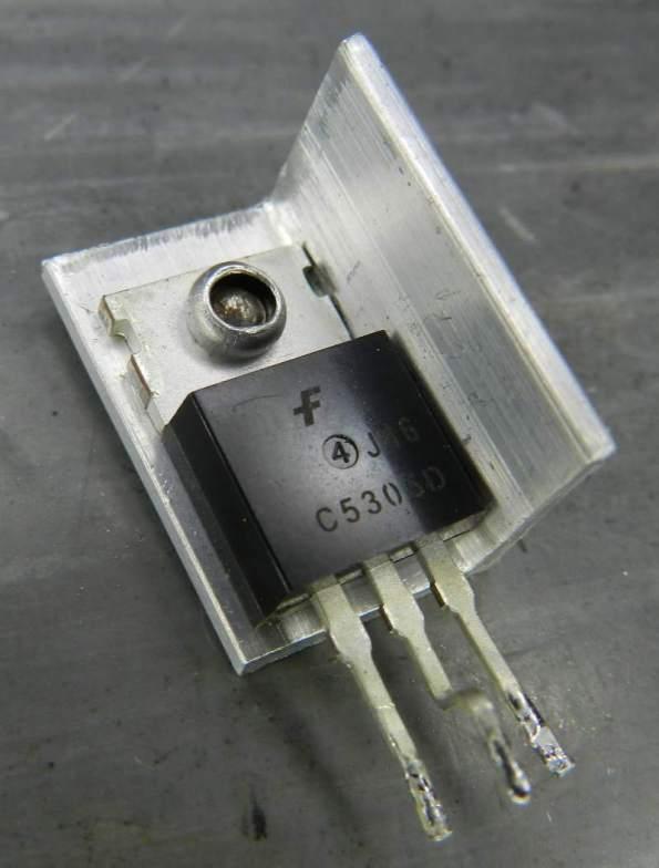 Figura 69 – Modo de fixar dissipador aos transistores II.
