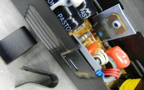 Figura 71 – Modo de fixar e isolar os transistores.