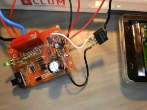 Figura 27 – Placa já modificada, com o transistor MOSFET pendurado, sem isolamento.