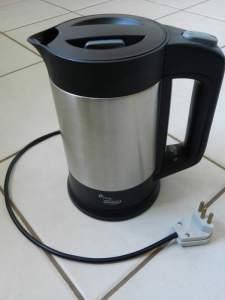 Fig 1 - Jarra elétrica Cuori.