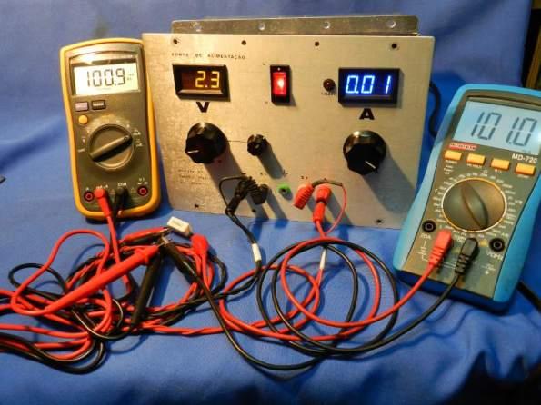 Figura 13 – Teste de corrente a 0,10A, o amperímetro da fonte indica uma casa decimal a menos.