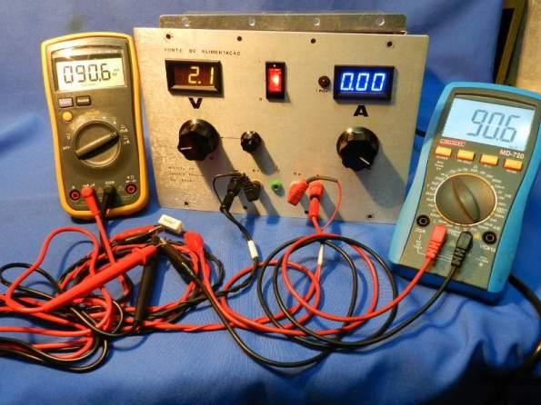 Figura 14 – Teste de corrente a 0,09A, o amperímetro da fonte não indica nada.