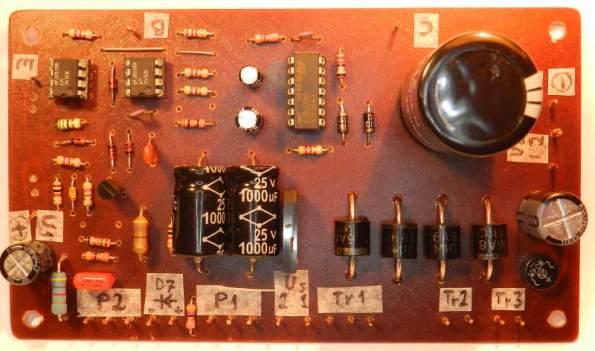 Figura 34 – Placa pronta e montada, faltando apenas R21, R4 e R16. ATENÇÃO: o diodo D1, junto ao LM723, está montado invertido.