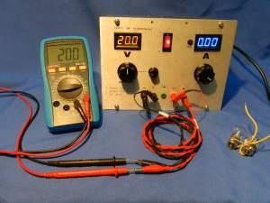Figura 37 – Fonte ajustada para 20V, corrente máxima, sem carga.