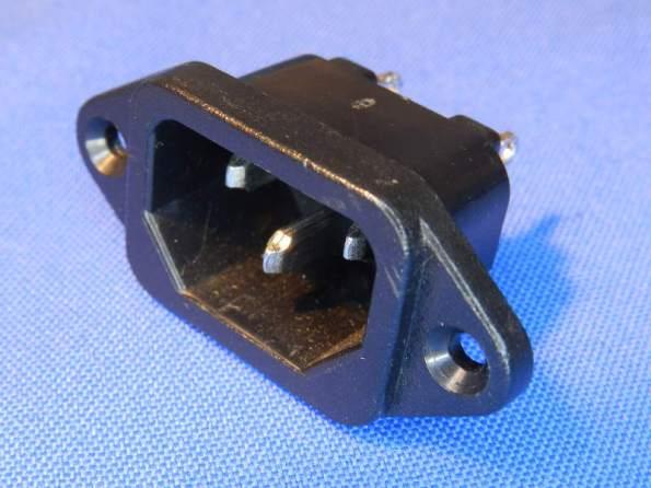 Figura 75 - Tomada padrão IEC60320, modelo C14.
