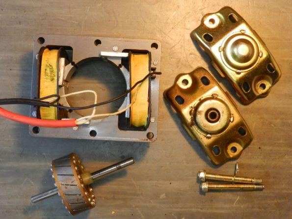 Figura 53 – Motor de 4 polos sombreados, desmontado.