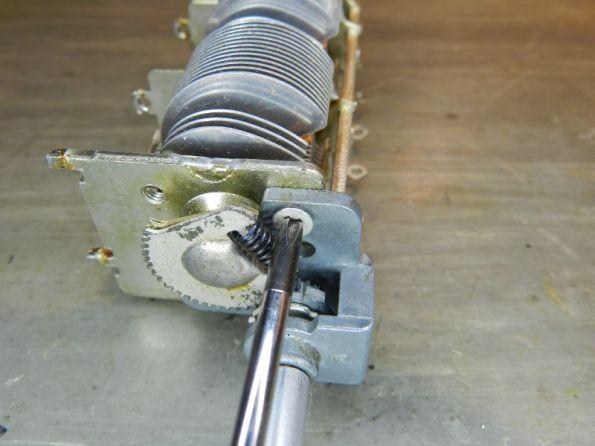 Figura 57 – Colocação do segundo parafuso na remontagem do eixo redutor.