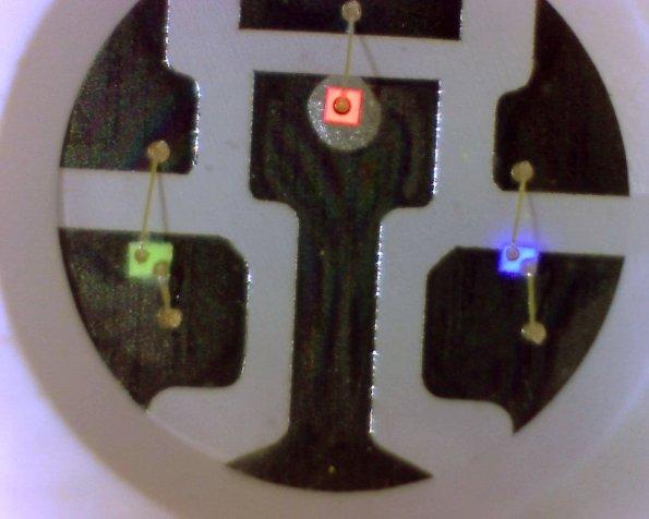 Figura 19 – LED RGB de fita de LEDs, visto por microscópio USB.