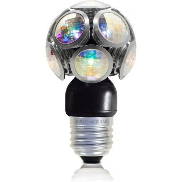 Figura 52 - Lâmpada LEDO alemã, modelo BULLED Crystal, com cristais de Swarovski. Esta lâmpada tem dispersão luminosa muito semelhante às incandescentes e existem modelos menos sofisticados, com a mesma aparência. Fonte: Svet [148].