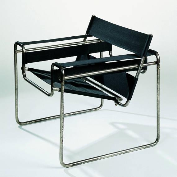 Figura 129 – Cadeira B3 (Wassily), de Marcel Breuer, em aço tubular. Fonte: Vitra Design Museum [407].