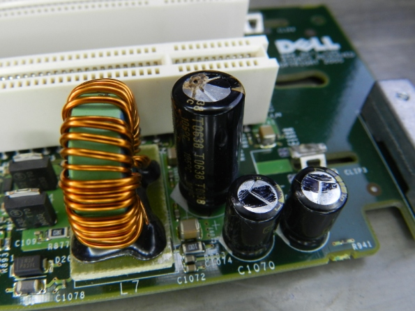 Figura 23 – Placa com o capacitor C1082 vazado.