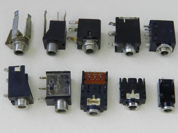 Figura 13 – Tomadas de 3,5mm, para montagem em circuitos impressos.