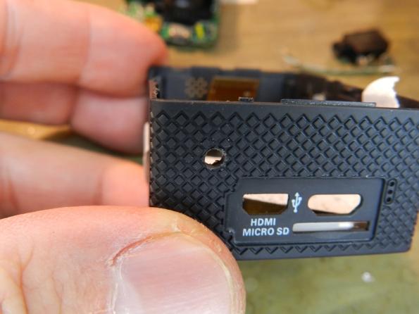 Figura 18 – Segundo furo na caixa da câmera .