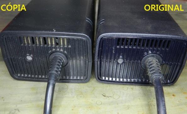 Figura 3 – Vista das fontes pelo lado do LED, a fonte da direita é a original.