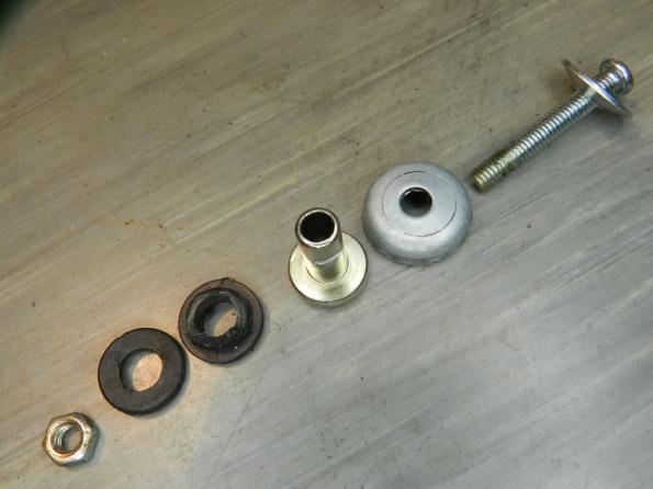 Figura 11 – Sequência original de montagem do parafuso de apoio da haste deslizante da porta.