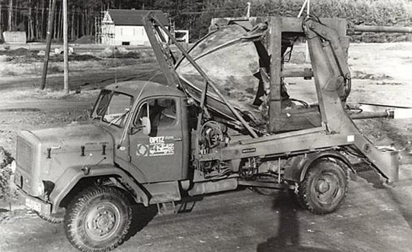 Fig. 38 – Escavadora de raízes da Opitz (atualmente Optimal-Vertrieb Opitz Gmbh), no início dos anos 1970. Fonte: Optimal-Vertrieb Opitz Gmbh [17].