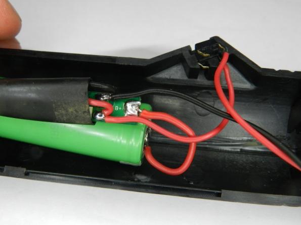 Fig. 28 - Proteção para pilha de lítio.