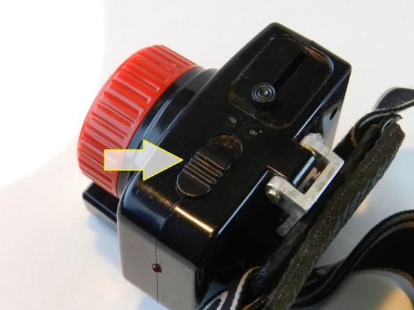 Fig. 6 – Detalhe da chave de acionamento da lanterna com carregador solar.